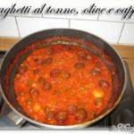 <!--:it-->Spaghetti con tonno, olive e capperi<!--:--><!--:se-->Spaghetti med tonfisk, oliver och kapris <!--:-->