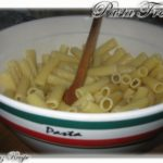 <!--:it-->Pasta Fredda: Pennette con pomodorini e mozzarella<!--:--><!--:se-->Pastasallad med plommontomater och mozzarella <!--:-->